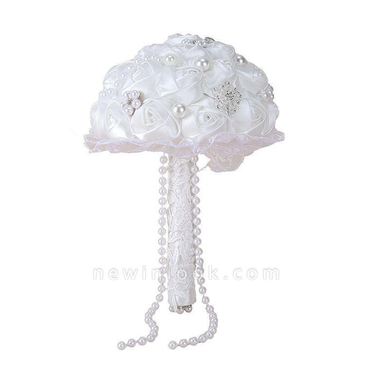 Elegante Bouquet de seda blanca con abalorios de cristal