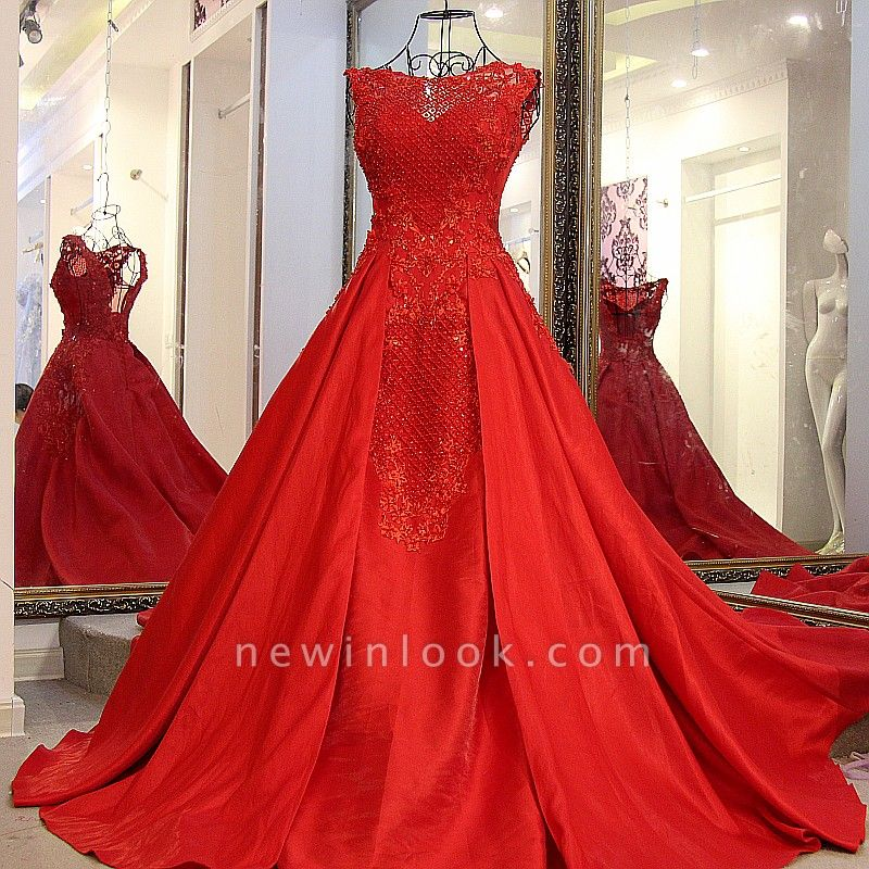 Red Beading Sleeveless Long Train Quinceanera Dresses