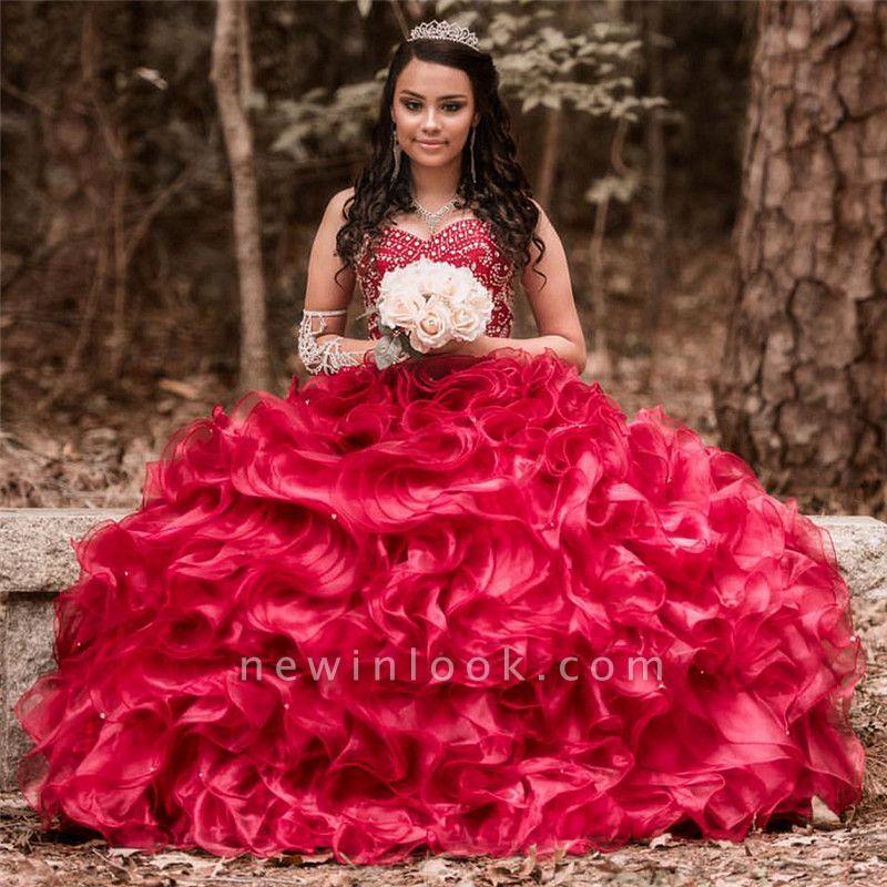 Vestido de fiesta de quinceañera con adornos de tul y falda de bola fantástica