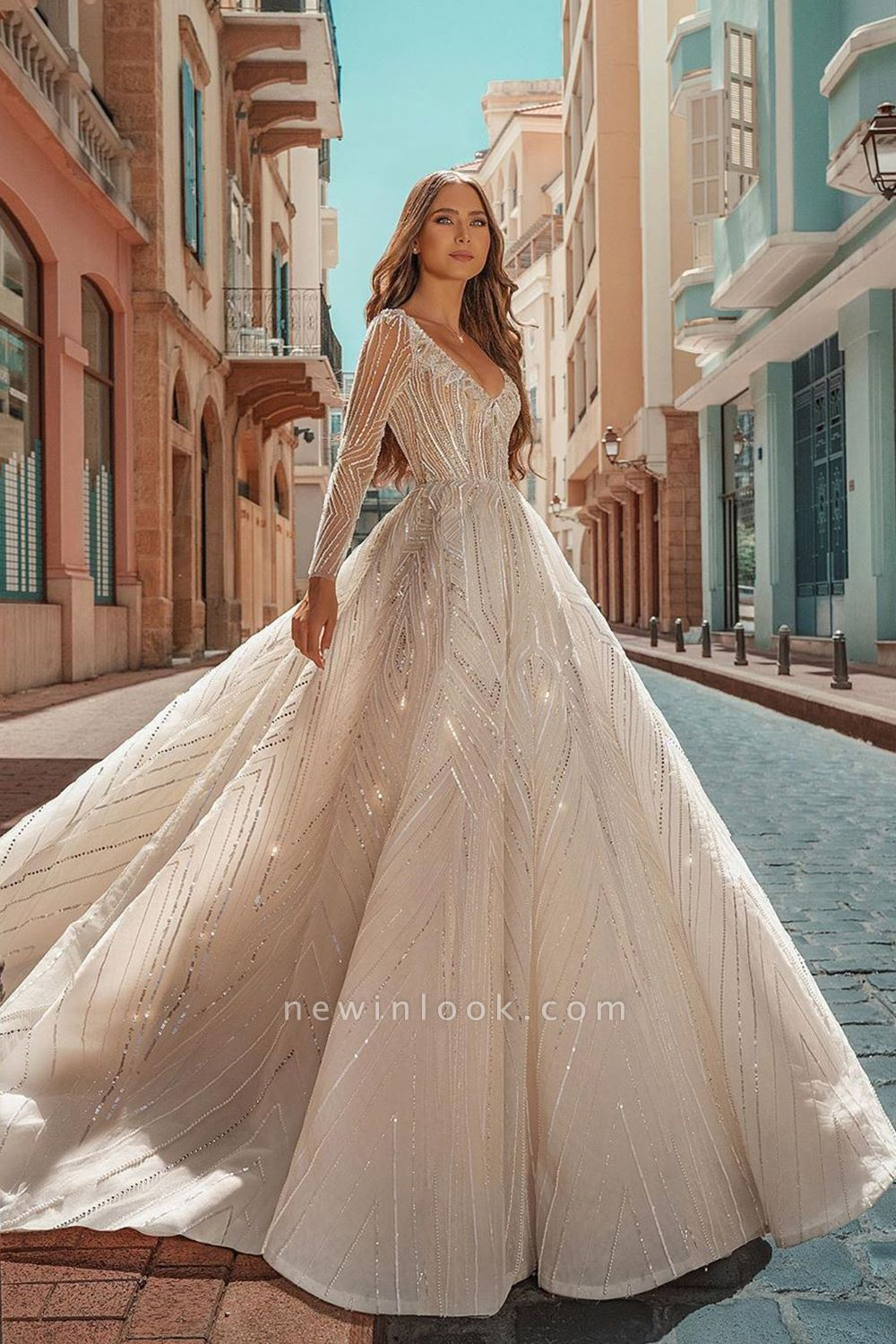 Crystal Beads Long Sleeve Backless Ball Gown Wedding Dresses