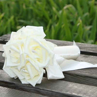 Simple Silk Rose Quinceanera Bouquet in Multiple Colors