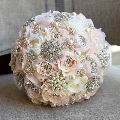 Sparkly Crystal Beading Silk Rose Quinceanera Bouquet in White and Romantic Pink_4