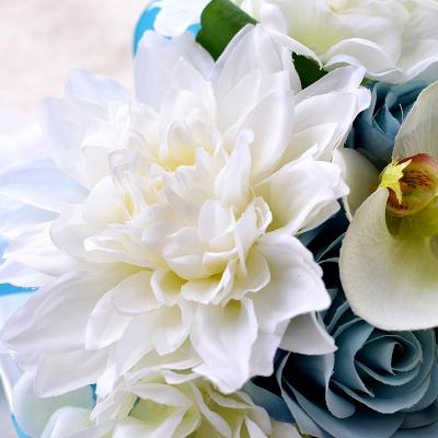 Ramo de novia Artificial de manzanilla y lirio en azul y blanco_4