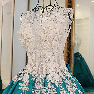 Exquisite Jewel Appliques Beading Quinceanera Dress_1
