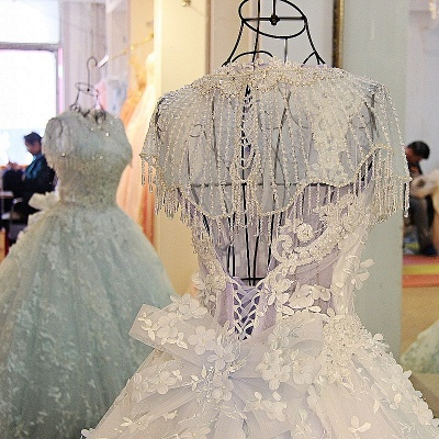 Court Train Appliques Crystal Wraps Quinceanera Dresses_5