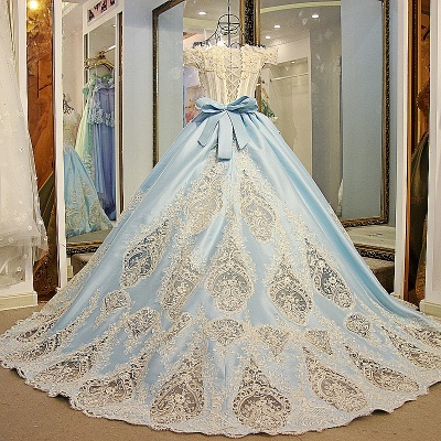 Glamorous Appliqued Off-the-shoulder Ball Gown Quinceanera Dresses_2