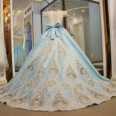 Glamorous Appliqued Off-the-shoulder Ball Gown Quinceanera Dresses_4