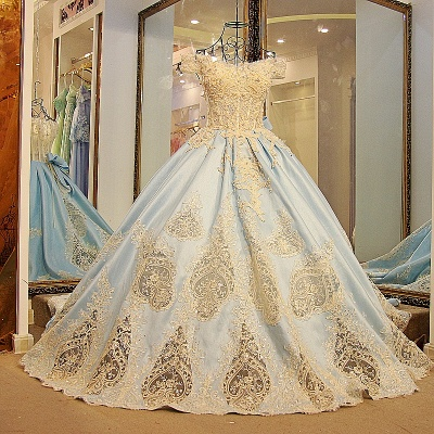 Glamorous Appliqued Off-the-shoulder Ball Gown Quinceanera Dresses_1