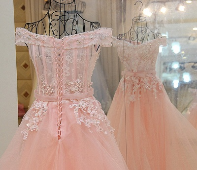 Off-the-shoulder Tulle Appliqued Long Quinceanera Dresses_4