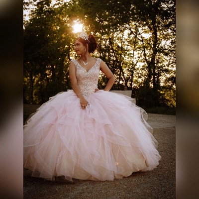 Gorgeous V-neck Appliques Ball Gown Quinceanera Dresses | Beadings Ball Gown XV Dresses_3