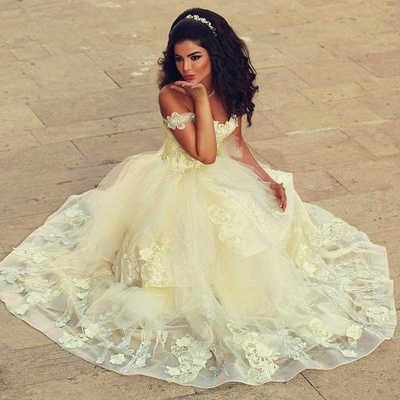 Off-the-shoulder Lace Appliques Tulle Floor Length Quinceanera Dresses_1