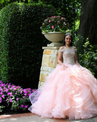 Layered Tulle Crystal Beading Off-the-shoulder Pink Quinceanera Dresses_4