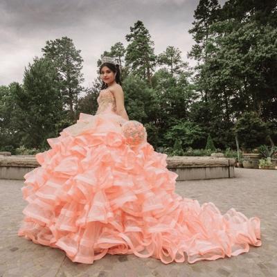 Elegante capa sin mangas con volantes perlas vestido de quinceañera rosa_6