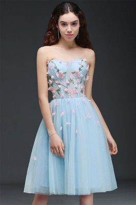 CLEMENTINE | Princess Sweetheart Knee-length Sky Blue Quince Dama Dress with Lace-up Back_1